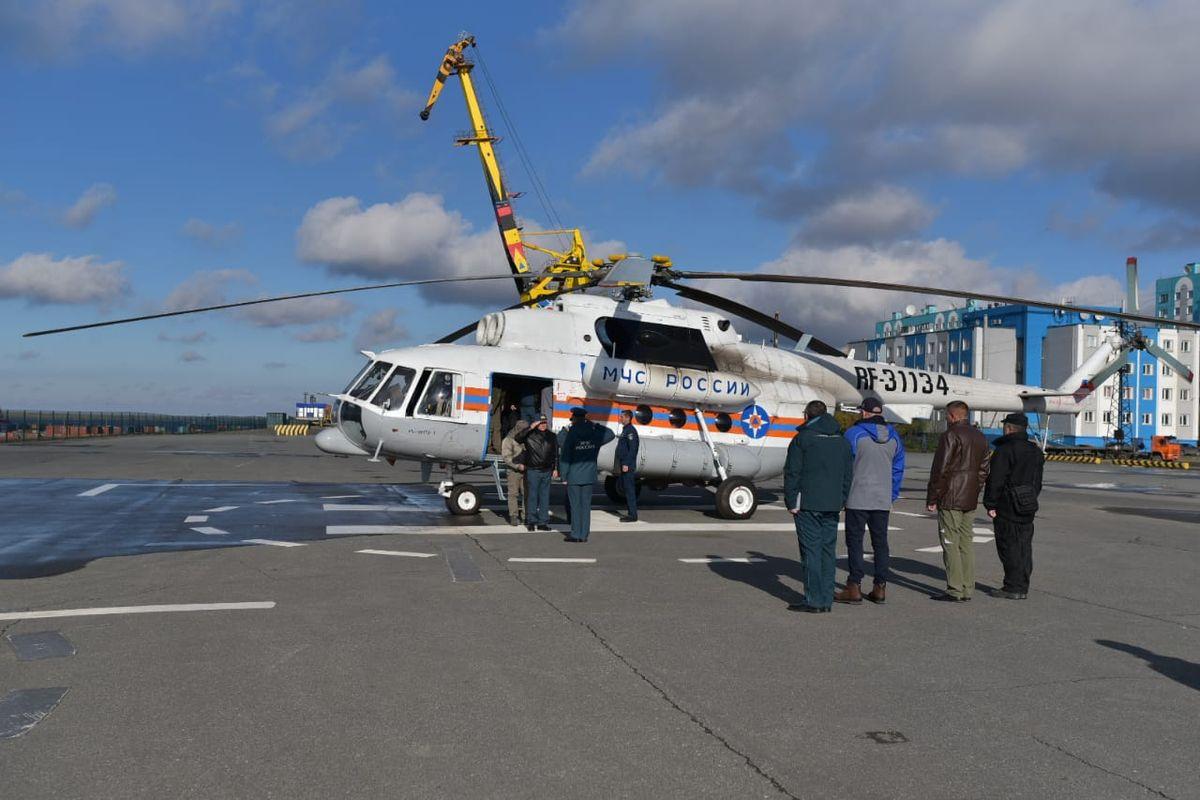 Евгенимй Зиничев на том самом вертолете прилетел на учения